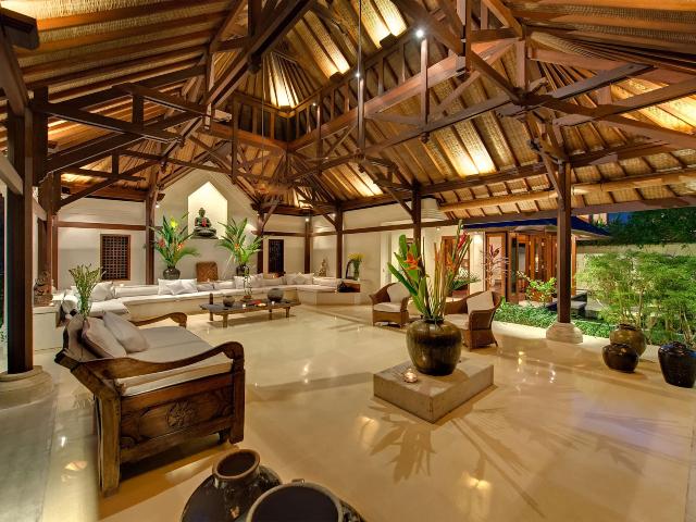 Interior Rumah Bergaya Khas Bali